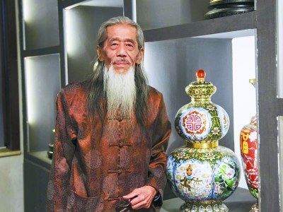 景泰蓝大师李荣魁,景泰蓝是哪里的工艺,景泰蓝大师有哪些,景泰蓝是什么地方工艺,