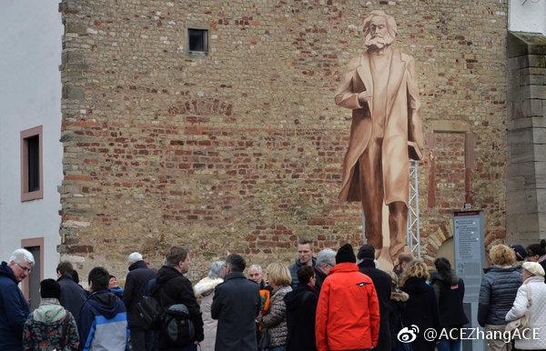 马克思诞辰200周年 中国赠雕像抵达其故乡