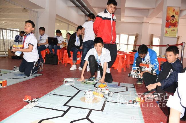 济南中小学生创客:机器人竞赛 学生创意智造项目