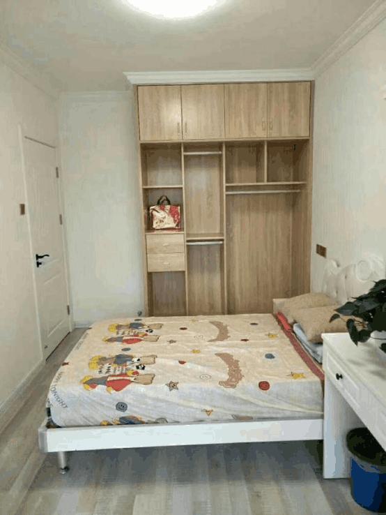 朋友新房装修,木工用免漆板打的柜子只花4万元,你说值