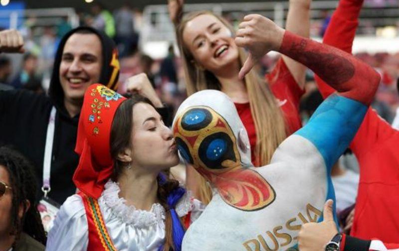 """AI预测死亡时间准确率高达95%;俄世界杯后或迎""""婴儿潮""""丨科技早新闻"""