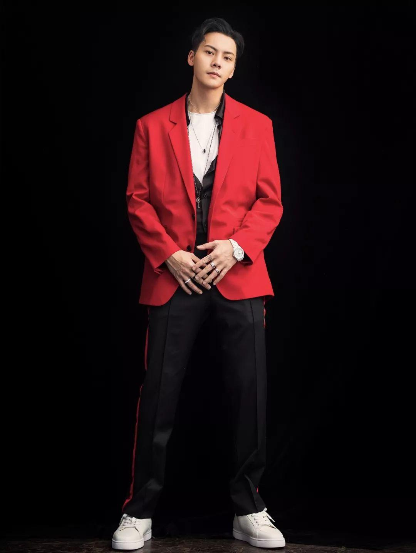 男士酒红色西服_男西装红哪个牌子好 款式好的
