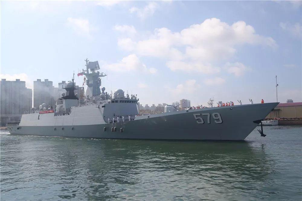 【现场】海军第30批护航编队起航奔赴亚丁湾