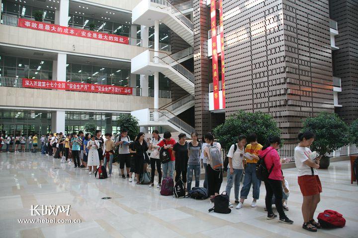 河北省圖書館多舉措服務讀者